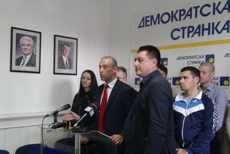 Radoslav Milojičić na konferenciji za novinare DS (foto: Kolubarske.rs)